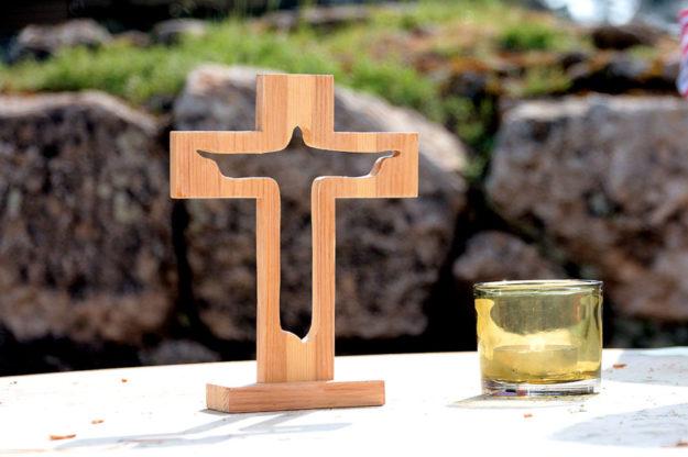 Eine Andacht zum Abschalten vom Alltag bietet die Evang. Kirche Steinatal. Foto: Christine Schmidt | Pixabay