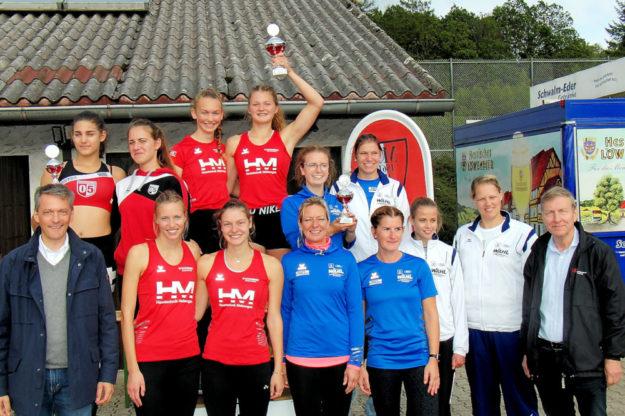 Die MT-Frauen konnten ihren Vorjahres-Pokal erneut verteidigen. Foto: nh