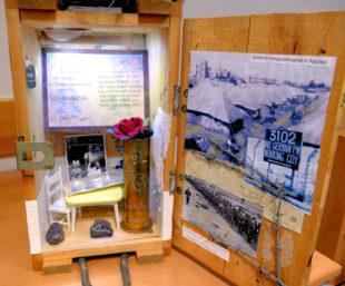 In der Ausstellung im Landratsamt war u.a. auch diese Erinnerungsbox zu sehen. Foto: nh