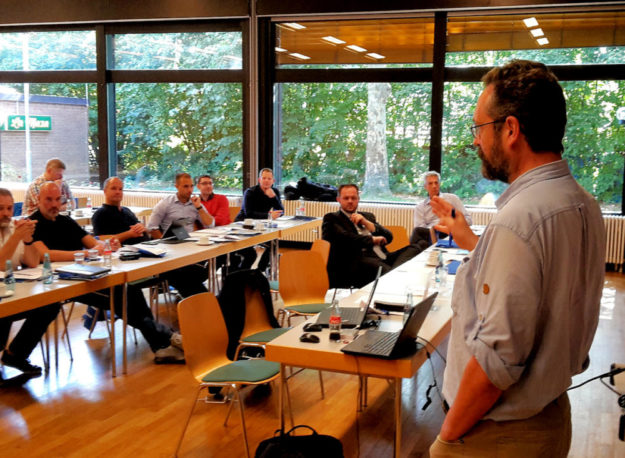 »Bürgerbegehren und Bürgerentscheide« ist einer der Themenkomplexe, mit denen sich Prof. Dr. Hermann Heußner (Hochschule Osnabrück) in Referaten beschäftigt. Foto: FREIE WÄHLER