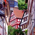 Auf historischer Führung können die Gäste die mittelalterliche Amt- & Ackerbaustadt Gudensberg erkunden. Foto: nh