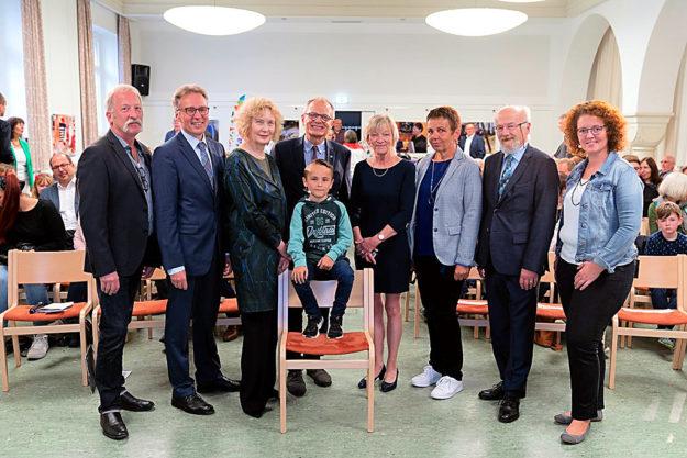 Von links: Thomas Korte, Ulrich Lilie, Klaus Dieter Horchem, Anne Bertelt, Jutta Linzner, Lisa Naujoks und Julius Ehl. Foto: © Stefan Betzler | Hephata
