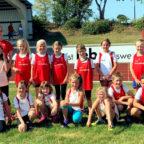 Mit den »Remsfelder Raketen« und den »Remsfelder Rennern« war der TSV 05 beim Wettkampf im Blumenhain-Stadion vertreten. Foto: nh