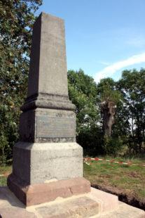 Für Wanderer ist der Obelisk als Wegpunkt mit Panorama-Blick interessant. Foto: nh