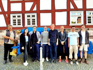 Die Junge Union Schwalm-Eder mit Museumsführer Gerhard Faßhauer vor dem Besucherstollen. Foto: nh