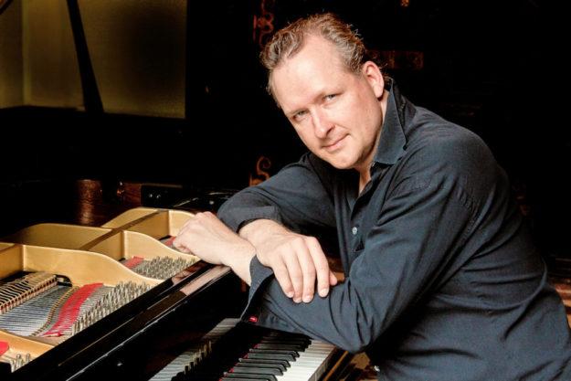 Jan Luley gibt sein Solo-Konzert im Kulturhaus Synagoge. Foto: nh