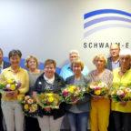 Landrat ehrt verdiente Mitarbeiterinnen und verabschiedet zwei seiner Kolleginnen in den Ruhestand. Foto: nh