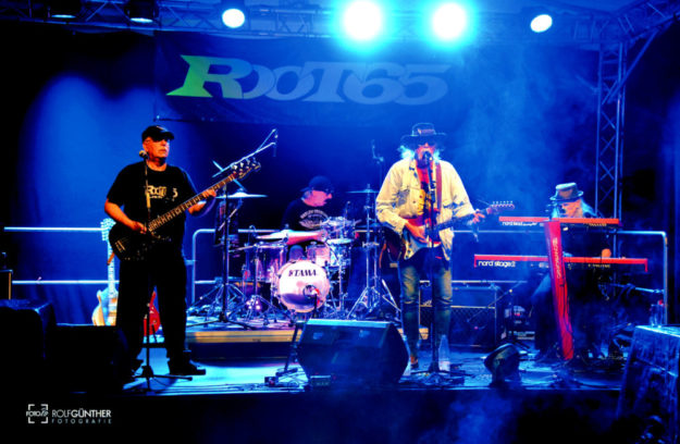 Root 65 – schnell, hart, aggressiv rocken die Jungs die »Mohrrübe«. Foto: [FOTORO] Rolf Günther | nh