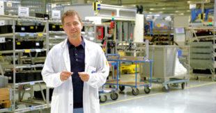 Blicke hinter die Kulissen der Elektronik-Produktion und in die Testkammern erlaubt die SMA am Maus-Türöffnertag. Foto: SMA