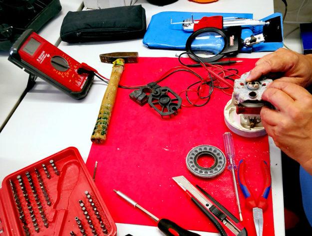 Das Schwälmer Repair-Café feiert kommenden Samstag ein kleines Jubiläum: Bereits zum 10. Mal öffnet die Reparatur-Werkstatt im Werkraum in der Steingasse 7 in Treysa ihre Türen. Foto: nh
