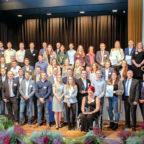 Mit der Traumnote Eins schlossen 33 Azubis aus dem Schwalm-Eder-Kreis ihre Ausbildung ab. Die IHK feierte die Geehrten und ihre Ausbilder kürzlich in der Homberger Stadthalle. Foto: Golden Moments Fotografie & Eventplanung