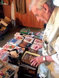 Herbert Schäfer (85) hat als Journalist und Autor die investigative Recherche nie gescheut; nicht einmal in der eigenen Familie. Foto: Schmidtkunz