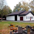 Die Friedhofshalle auf dem Gudensberger Friedhof wurde modernisiert. Foto: nh