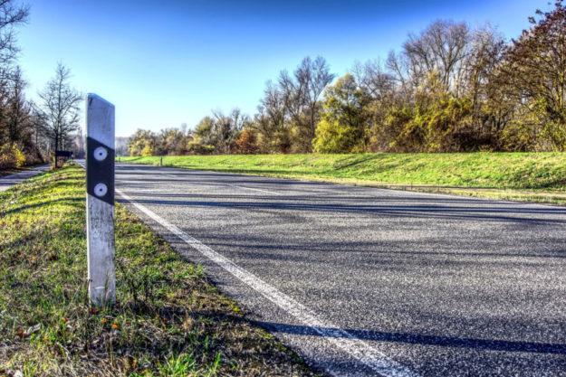 Die Verkehrsbeschränkungen sind aufgehoben, die Landesstraße ist wieder frei befahrbar. Symbolfoto: Markus Distelrath | Pixabay