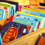 In der Stadtbibliothek warten viele Bücher auf neugierige junge Leser. Symbolfoto: Michael Gaida