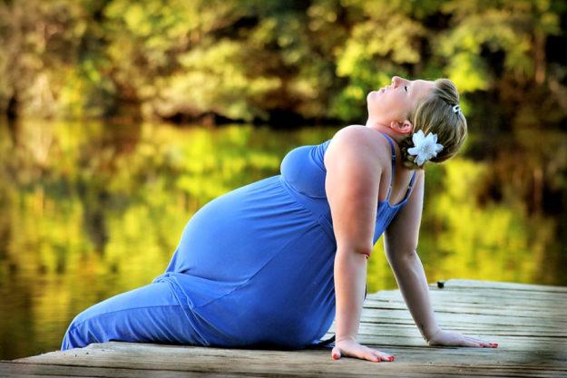 Entspannt zurücklehnen. Eine bessere Versorgung von Schwangeren hat die DAK Gesundheitskasse angekündigt. Foto: lisa runnels | Pixabay