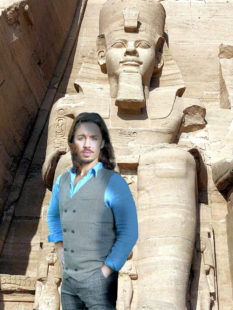Tod auf dem Nil, Gil Ofarim vor der Ramses Statue. Fotomontage: nh