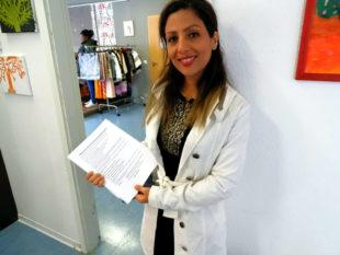 Elham Hassin arbeitete mit Master-Abschluss bei Gericht, ehe sie nach Deutschland kam. Nun schrieb sie auf, warum sie fliehen musste. Foto: nh