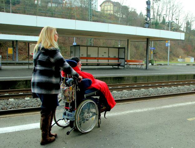 Der Umbau soll den Treysaer Bahnhof barrierefrei machen, damit zum Beispiel auch Menschen im Rollstuhl zu ihren Zügen kommen und einsteigen können. Foto: nh