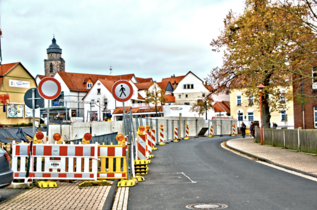 Der Homberger Bindeweg wird im Zuge der Bauarbeiten für die Drehscheibe für einige Zeit voll gesperrt. Foto: Schmidtkunz