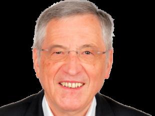 Spiegel-Autor Norbert F. Pötzl spricht im Kulturhaus Synagoge über Legenden, Fakten, Emotionen rund um den Treuhand-Komplex. Foto: Verlag