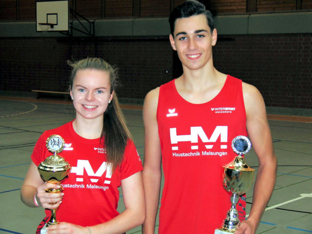 Die überragende Vivian Groppe und Yannick Schleider sicherten sich die Pokal beim Lauf-Dreikampf in Melsungen. Foto: nh