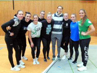 Die Handballerinnen der SG 09 Kirchhof hatten nicht nur viel Spaß, sie überzeugten auch mit Leistungen. Foto: nh