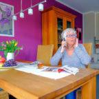 Der Enkeltrick: Betrüger täuschen in einem Telefongespräch einen Notfall vor. Foto: Polizei Hessen