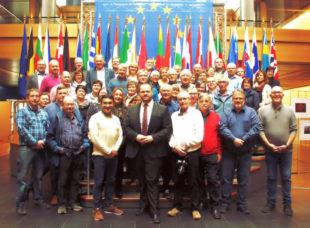 Eine Gruppe von rund 50 Freien Wählern besuchte auf Einladung von Egin Eroglu (MdEP) das Europäische Parlament in Straßburg. Foto: Schmidtkunz