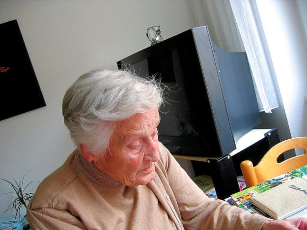 """Der DGB wirbt für """"neue"""" Wohnformen im Alter, die Devise: Gemeinsam statt einsam! Foto: Gerd Altmann   Pixabay"""
