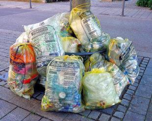 Im Landkreis werden die Gelben Säcke abgeschafft. Ausgenommen sind drei Altstadtbereiche. Foto: Hanne Hasu   Pixabay