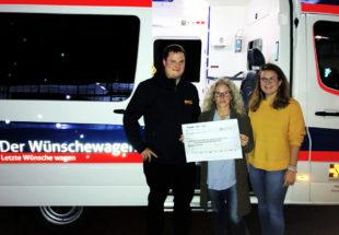 Der Erlös aus den Spendensammlungen während des Flohmarktes wurde dieser Tage an den ASB für den Wünschewagen übergeben. Foto: nh