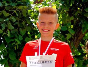 Der elfjährige Linus Schopf ist auf der Mittelstrecke im Schwalm-Eder-Kreis das Maß aller Dinge. Foto: nh
