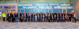 Gruppenbild der Spezialisten aus den jeweiligen Branchen. Foto: Carsten Herwig