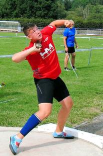 Mit 15,81 m führt Luis Andre die deutsche Bestenliste der M14 im Kugelstoßen an. Foto: nh