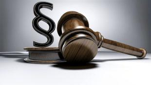 Arbeitsrecht und Rechtsprechung. Foto: TPHeinz | Pixelio