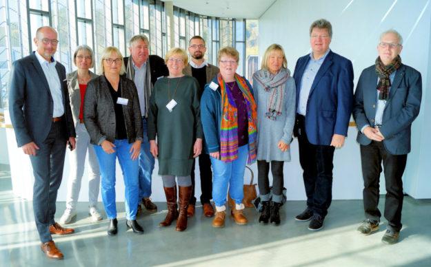 Gesellschafter Dr. Jörg H. Kullmann (2.v.re.) und Geschäftsführer Michael Möller (li.) empfingen die Delegation der Grünen um Dr. Bettina Hoffmann, MdB, (3.v.li.). Foto: nh