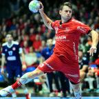 Das Spiel im Men's EHF Cup der MT Melsungen gegen Olympiacos SFP (GRE) in der Rothenbach-Halle war ein anstrengendes Stück Arbeit, auch für Yves Kunkel. Foto: Heinz Hartung