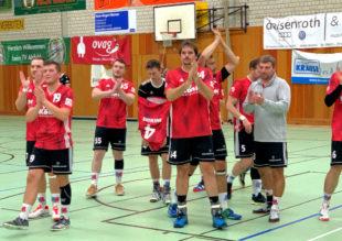 Nach einem starken Spiel hat OMO einen grandiosen Sieg hingelegt. Das Team zollte den Fans Beifall. Foto: nh