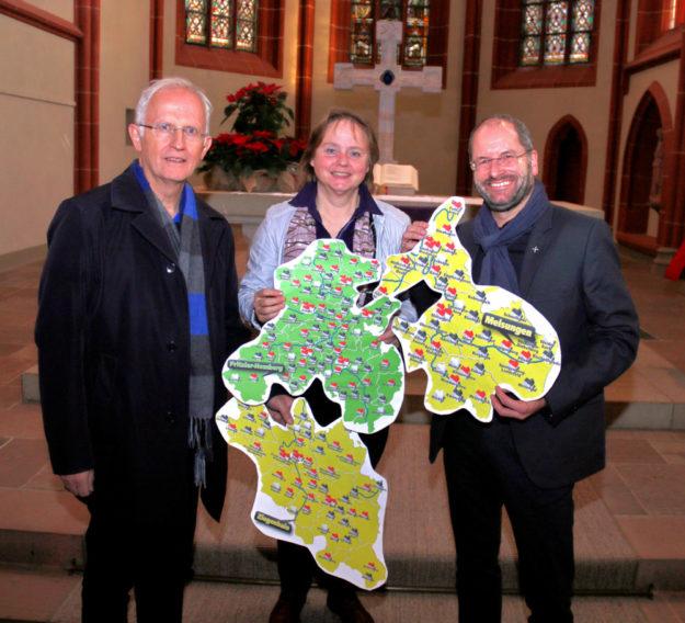 Jeder bringt ein Puzzleteil mit ein (v.li.): Dekan Christian Wachter, Dekanin Sabine Tümmler und Dekan Norbert Mecke. Foto: Uli Köster | nh