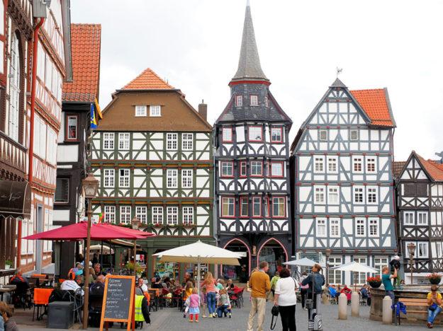 Fritzlarer Marktplatz mit dem Gildehaus. Foto: Hans Braxmeier | Pixabay
