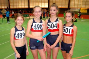 Mit Emilia Berk, Chenoa Schwarzlose, Anne Eckhardt und Benja Schackert liefen ambitionierte Läuferinnen in der Staffel. Foto: nh
