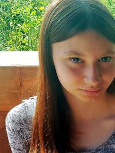 Wer kann Angaben über den Aufenthaltsort der vermissten Jasmina V. machen? Foto: Polizei