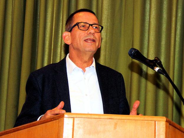War als Impulsgeber in Treysa zu Gast: Vasco Knickrehm, Direktor des Hessischen Sozialgerichts (Kassel). Foto: Köster   nh