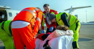 Das Nothelfer-Team bereitet den Rückflug vor. Foto: ASB | Hannibal