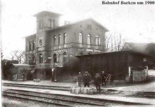 Ein Foto aus den besseren Tagen der Eisenbahn. Quelle: Das Bild wurde zur Verfügung gestellt von Dr. Klaus-Peter Lorenz, aus der Sammlung von Hr. Salzmann.