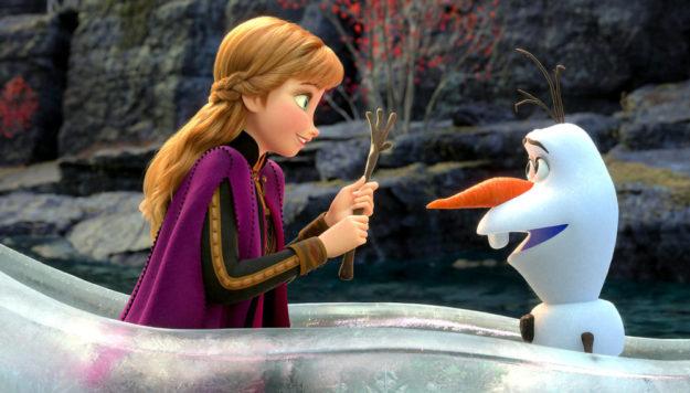 """In Walt Disney Animation Studios' """"Frozen 2"""" gibt es ein Wiedersehen mit Anna und Olaf in einem weiteren Abenteuer auf einer Reise weit fort von Arendelle. Quelle: ©2019 Disney"""