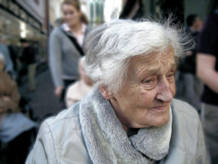Wie sorgt man für das Alter richtig vor? Foto: Gerd Altmann | Pixabay