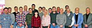 Zehn neue Kraftfahrzeugmechatroniker sprach die Innung in Schwalmstadt frei. Foto: Kreishandwerkerschaft Schwalm-Eder