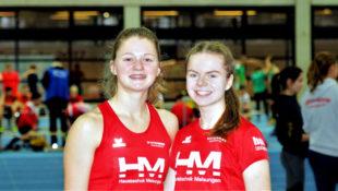 Nele Schmoll und Vivian Groppe (v.li.) beeindruckten mit drei Siegen in Dortmund. Foto: nh